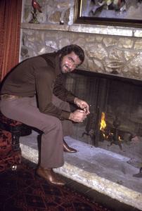 Burt Reynoldsat home in Beverly Hills1973 © 1978 David Sutton - Image 2868_0122