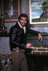Burt Reynoldsat home in Beverly Hills1973 © 1978 David Sutton - Image 2868_0150