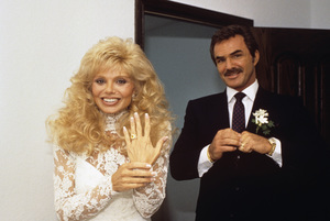 Loni Anderson and Burt Reynolds on their wedding day 1988 © 1988 Mario Casilli - Image 2868_0242