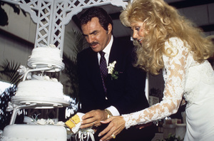 Loni Anderson and Burt Reynolds on their wedding day 1988 © 1988 Mario Casilli - Image 2868_0243