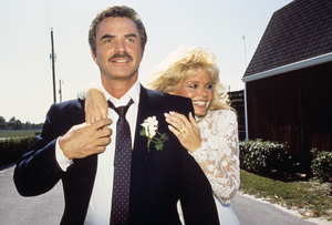 Loni Anderson and Burt Reynolds on their wedding day 1988 © 1988 Mario Casilli - Image 2868_0245