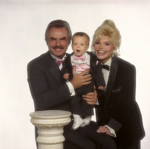 Loni Anderson and Burt Reynolds with their son Quinton Anderson Reynolds1988 © 1988 Mario Casilli - Image 2868_0246