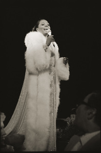 Diana Ross live in Las Vegas1978 © 2009 Bobby Holland - Image 2891_0132