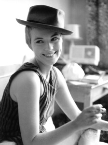 "Jean Sebergduring the filming of ""Breathless.""1959 / **I.V. - Image 2927_0051"