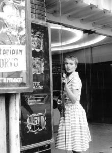 "Jean Sebergduring the filming of ""Breathless.""1959 / **I.V. - Image 2927_0055"