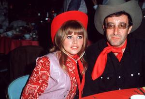 Peter Sellers with Britt Eklandcirca 1965 © 1978 David Sutton - Image 2930_0015