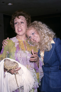 Jean Stapleton and Sally Strutherscirca 1970s© 1978 Gary Lewis - Image 2978_0015