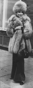Barbra StreisandArriving at London AirportMarch 28,1969 - Image 2995_0233