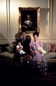 Barbra StreisandAt Home in New York with Elliot Gouldand son JasonCirca 1968 © 1978 Bob Willoughby - Image 2995_0243