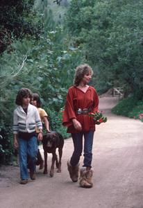 Barbra Streisand With son Jason Gould ( White Sweater) September. 1976 **H.L. - Image 2995_0301