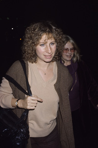 Barbra Streisand and Sue Mengerscirca 1970s© 1978 Gary Lewis - Image 2995_0385
