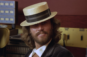 """Barry Gibb in the studio during the recording session for the album """"Guilty"""" 1980© 1980 Mario Casilli - Image 2995_0529"""