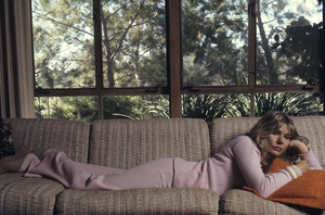 Loretta Swit at home1972© 1978 Gene Trindl - Image 3003_0001