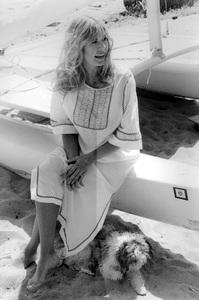 Loretta Swit with her dog on Malibu Beach circa 1974 © 1978 Kim Maydole Lynch - Image 3003_0012