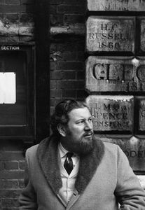 """The Sundowners""Peter Ustinov visiting old school - Westminster public school - in London1960 © 1978 Sanford Roth / AMPAS - Image 3044_0026"