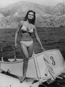 "Raquel Welchon location for "" Fathom""1967 - Image 3084_0137"