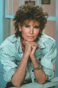 Raquel Welch C. 1987**H.L. - Image 3084_0146