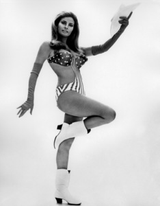 Raquel WelchC. 1970 - Image 3084_0167