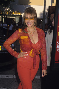 """Raquel Welch at the premiere of """"Legally Blonde""""2001 © 2001 Gary Lewis - Image 3084_0199"""