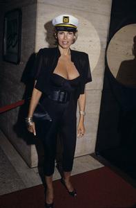 Raquel Welch1988 © 1988 Gary Lewis - Image 3084_0212