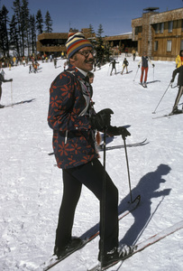 Adam West skiing at Bear Valley1971 © 1978 Gunther - Image 3087_0023