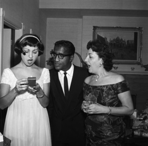 Marlo Thomas at her birthday party with her mother, Rose Marie, and Sammy Davis Jr.circa 1958 © 1978 Bernie Abramson - Image 3091_0052