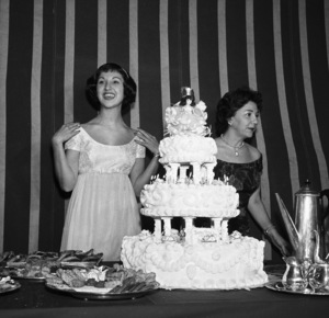 Marlo Thomas at her birthday party with her mother, Rose Mariecirca 1958 © 1978 Bernie Abramson - Image 3091_0056