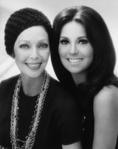 Marlo Thomas and Loretta Youngcirca 1960s© 1978 John Engstead - Image 3091_0060