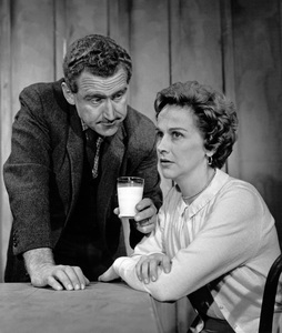 """James Whitmore and Kim Hunter in the """"Playhouse 90"""" episode """"Free Weekend""""1958Photo by Gabi Rona - Image 3096_0004"""
