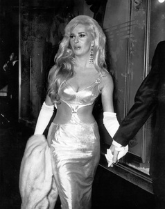 """Edy Williams at the """"Doctor Dolittle"""" premiere in Hollywood, CA1967Photo by Joe Shere - Image 3105_0011"""