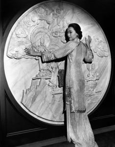Anna May Wong circa 1930 ** I.V. - Image 3119_0062