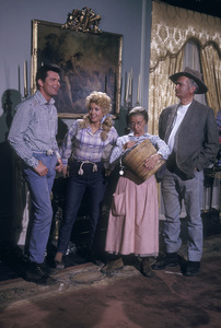 """Beverly Hillbillies, The""Max Baer Jr., Donna Douglas, Irene Ryan, Buddy Ebsen1965 © 1978 Gene Trindl - Image 3265_0091"