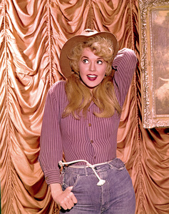 """The Beverly Hillbillies""Donna Douglasc. 1967Photo by Gabi Rona - Image 3265_0110"