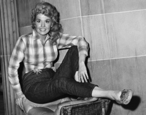 """The Beverly Hillbillies""Donna Douglascirca 1962CBS** I.V. - Image 3265_0155"