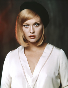 """Bonnie and Clyde"" Faye Dunaway1967 Warner Brothers** I.V. - Image 3314_0172"