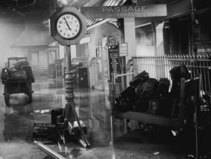 """""""Casablanca"""" setRailway station1942 Warner Bros.MPTV - Image 3339_0325"""