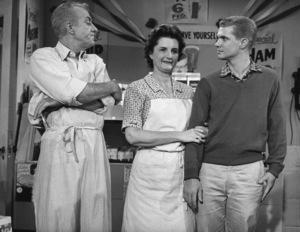 """The Many Loves of Dobie Gillis""Frank Faylen, Florida Friebus, Dwayne Hickmancirca 1960Photo by Joe Shere - Image 3397_0026"