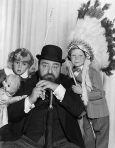 """Family Affair""Anissa Jones, Sebastian Cabot, Johnny Whitakercirca 1967Photo by Gabi Rona - Image 3423_0005"