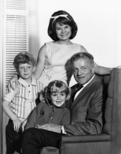 """Family Affair""Johnny Whitaker, Anissa Jones, Brian Keith, Kathy Garvercirca 1967Photo by Gabi Rona - Image 3423_0020"