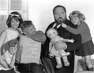 """Family Affair""Kathy Garver, Johnny Whitaker, Brian Keith, Sebastian Cabot, Anissa Jonescirca 1966Photo by Gabi Rona - Image 3423_0032"