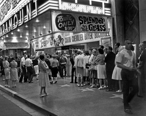 """Paramount theater in Hollywood, CA playing """"Splendor in the Grass"""" and """"Fanny""""1961Photo by Zinn Arthur - Image 3425_0105"""