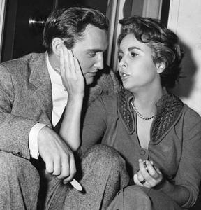 """""""Giant""""Dennis Hopper, Elizabeth Taylor1956 Warner Brothers** I.V. - Image 3448_0031"""