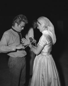 """""""Giant""""James Dean, Elizabeth Taylor1955 Warner Brothers** I.V. - Image 3448_0032"""