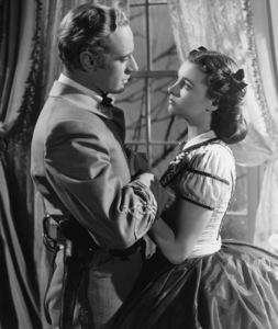 """""""Gone with the Wind""""Vivien Leigh & Leslie Howard1939 Selznick**I.V. - Image 3457_0274"""
