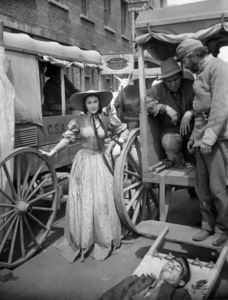 """Vivien Leigh on the set of """"Gone with the Wind""""1939 MGM** B.D.M. - Image 3457_0290"""