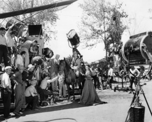 """Director Victor Fleming, William Bakewell and Vivien Leigh on the set of """"Gone with the Wind""""1939 MGM** B.D.M. - Image 3457_0291"""