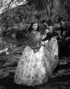 """Vivien Leigh on the set of """"Gone with the Wind""""1939 MGM** B.D.M. - Image 3457_0292"""