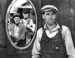 """The Grapes of Wrath""Henry Fonda, Frank Darien, Russell Simpson 1940 Twentieth Century Fox** I.V. - Image 3463_0132"