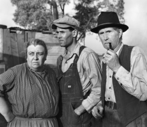 """""""The Grapes of Wrath""""Jane Darwell, Henry Fonda, & Russell Simpson1940 20th Cent. Fox**I.V. - Image 3463_0139"""