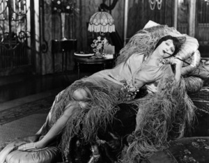 """""""The Heart of a Siren""""Barbara La Marr1925 First National Pictures - Image 3481_0013"""